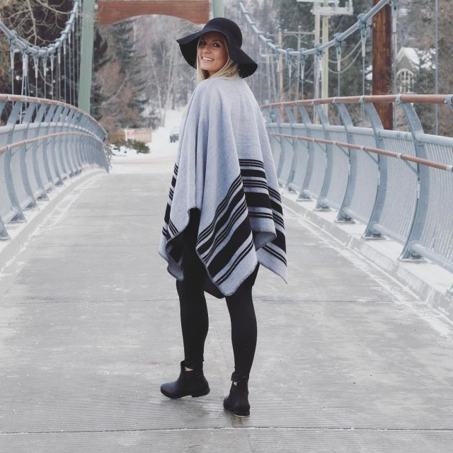 This fun poncho is up on the blog today! Lovehellip