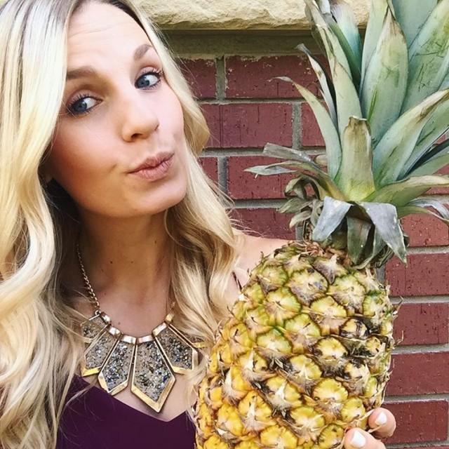 Pineapple love enjoying the last days of summer  yychellip