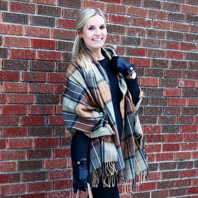 R E D Bricks in the City! Keeping warm onhellip